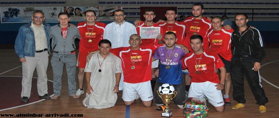فريق التجاري وفابنك الفائز بدوري رواد النهضة 2016-07-04